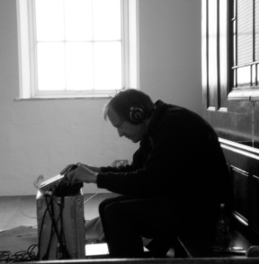 Simon Reynell recording during his visit with Angharad Davies and Steve Beresford, 2014.